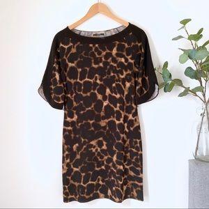 •TAHARI• Large Cheetah Print Dress